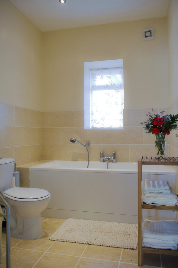 Walnut Tree Cottage Bathroom